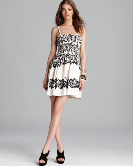Juicy couture dress jubilee embroidered in beige french for French couture dresses
