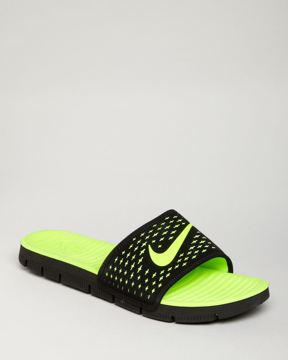 513e848997f2 Lyst - Nike Celso Motion Slide Flip Flops in Green for Men