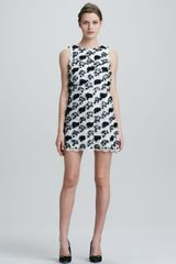 Alice + Olivia Womens Alice Olivia Mackynzie Sleeveless Applique Dress - Lyst