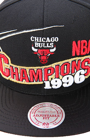 91819fd83b0 ... sweden lyst mitchell ness the chicago bulls bred xi special edition  finals champions snapback cap in