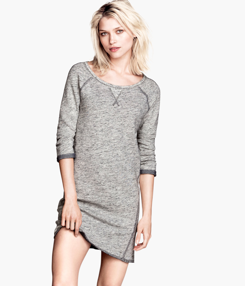 Where Are H&M Clothes Made? As of , Hennes & Mauritz AB outsources production to about suppliers, 80 percent of whom are in Asia and the rest in Europe and Africa. The designs are created in Sweden. Generally, trend-led items with short lead times are made in Europe, while traditional items.