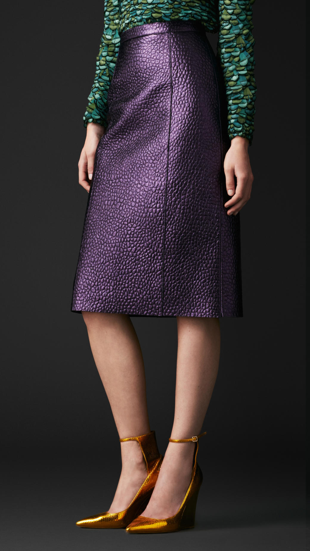 Burberry Metallic Leather Pencil Skirt in Purple | Lyst