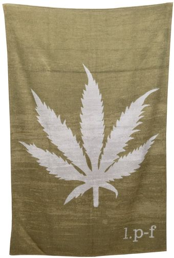 Lucien Pellat Finet Leaf Beach Towel - Lyst