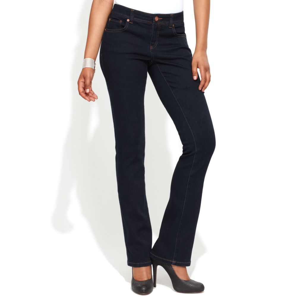 Silver Jeans, the must-have brand for your perfect fit. Modern and vintage denim details, designs, and washes. Shop now to enjoy Free Shipping and easy returns!