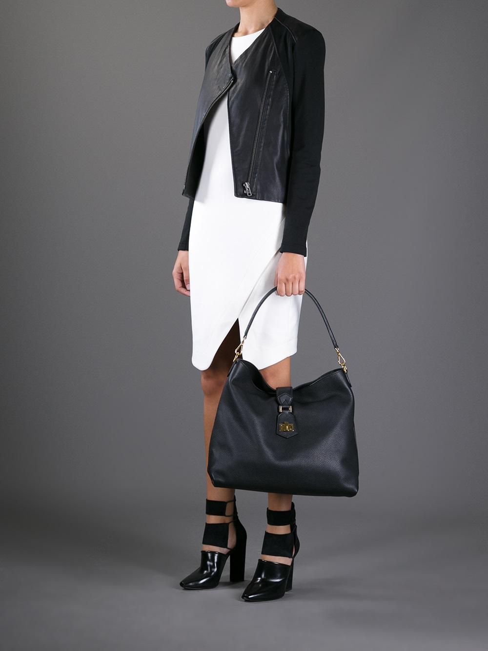 Fendi Classic Hobo Bag in Black | Lyst