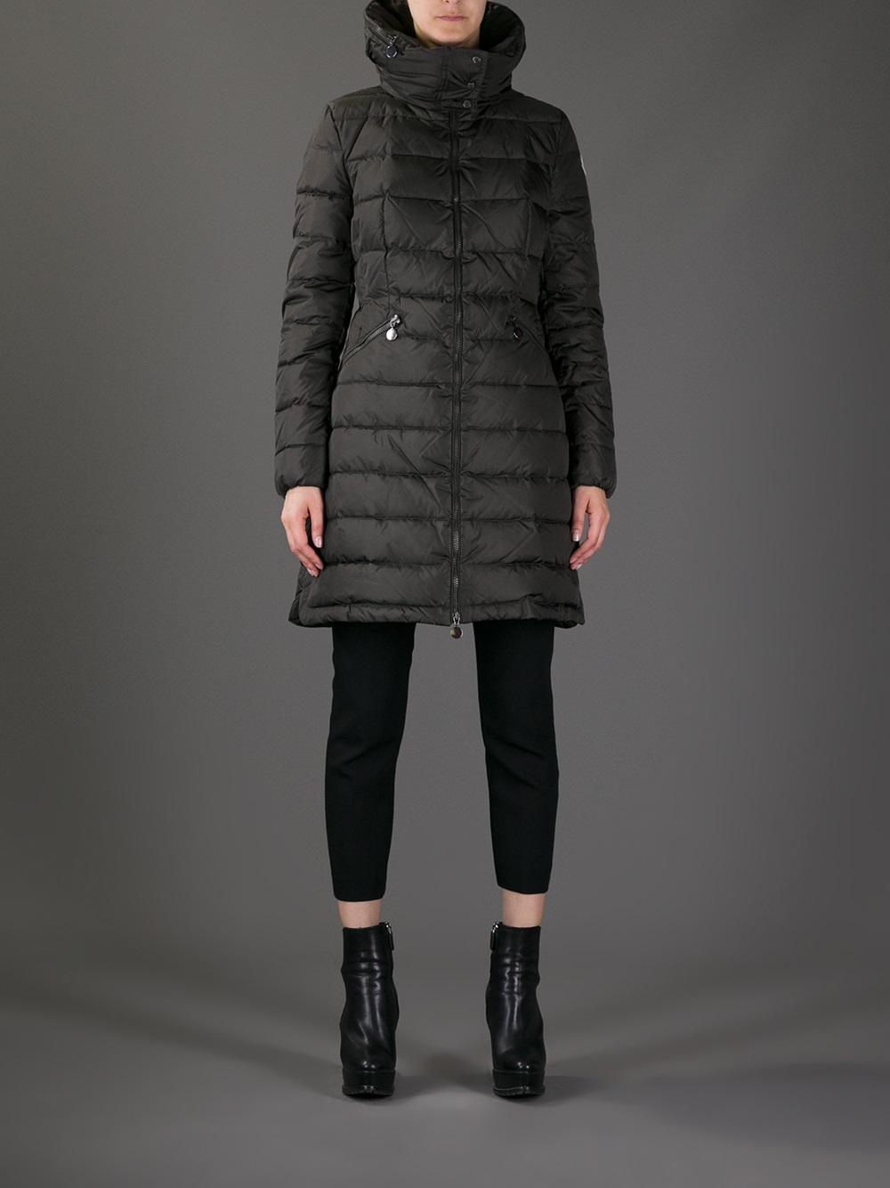 Moncler Padded Coat in Black | Lyst