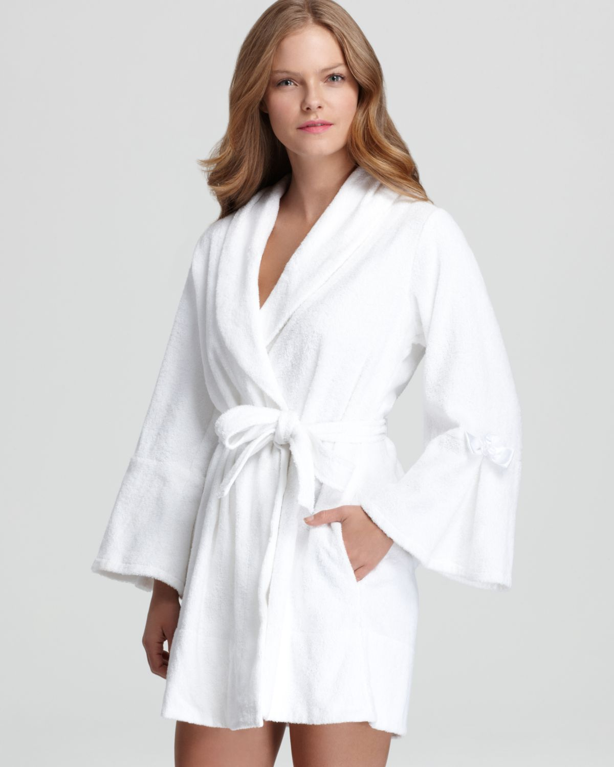 Lyst betsey johnson loop terry bridal robe in gray for Robes de mariage de betsey johnson