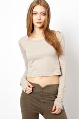 Earth Couture Cropped Vitality Top with Thumbhole Details in Organic Cotton - Lyst