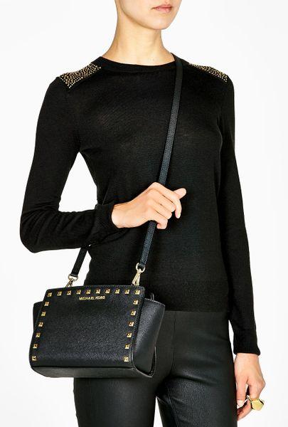 michael by michael kors black black selma studded medium messenger bag. Black Bedroom Furniture Sets. Home Design Ideas