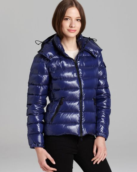 Moncler Bady Lacquer Hooded Short Down Coat In Blue Navy
