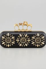 Alexander McQueen Floral Stud Long Knuckle Box Clutch Bag Black - Lyst
