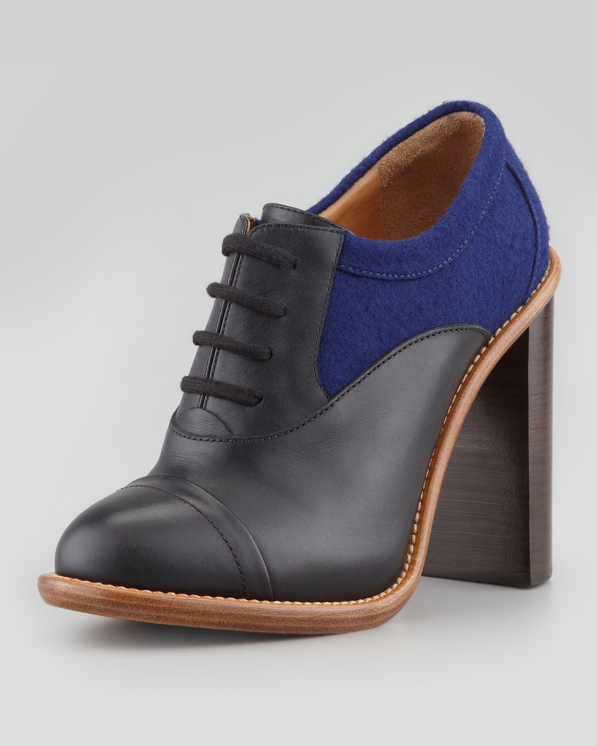 Lyst Chlo 233 Stacked Heel Laceup Oxford Blackblue In Black