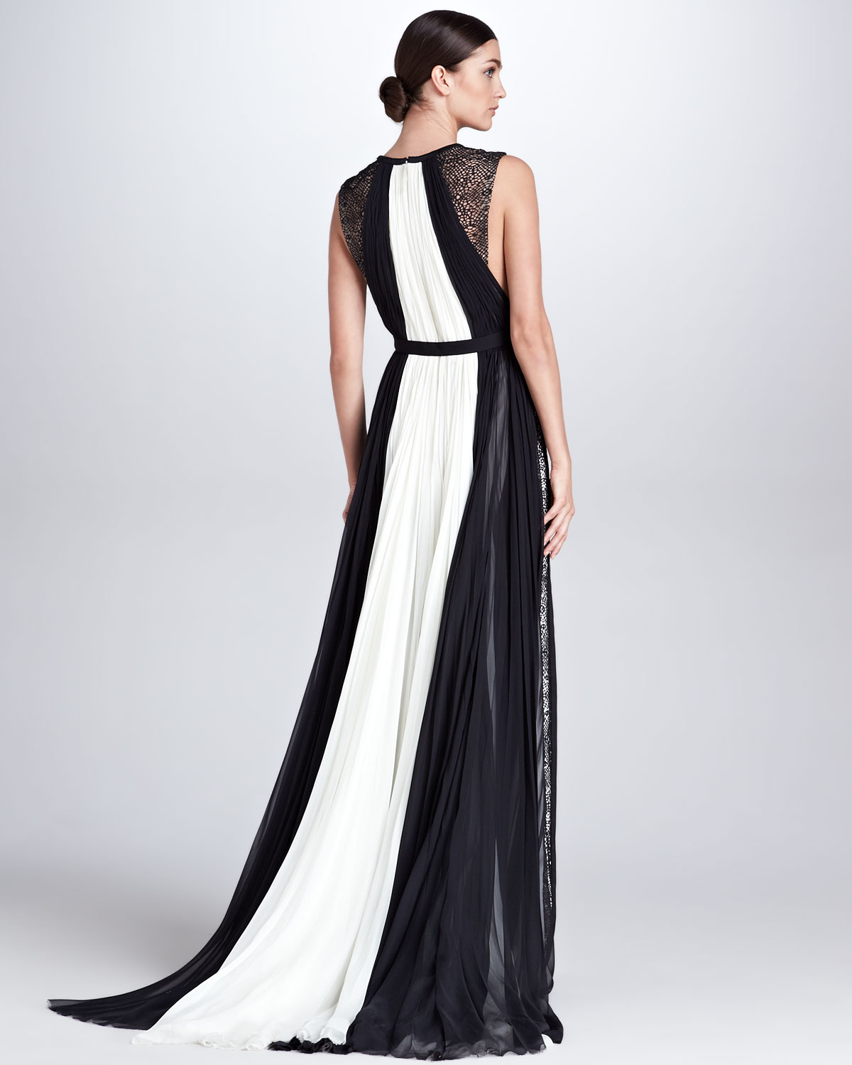 Lyst - J. Mendel Colorblock Keyhole Ball Gown Ivoryblack in White