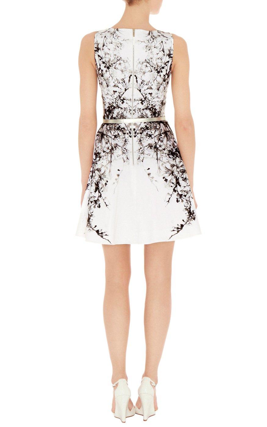 Lyst - Karen Millen Oriental Print Prom Dress in Black
