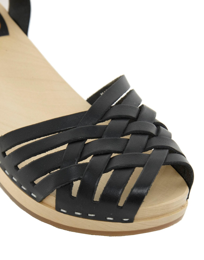 Black sandals low wedge