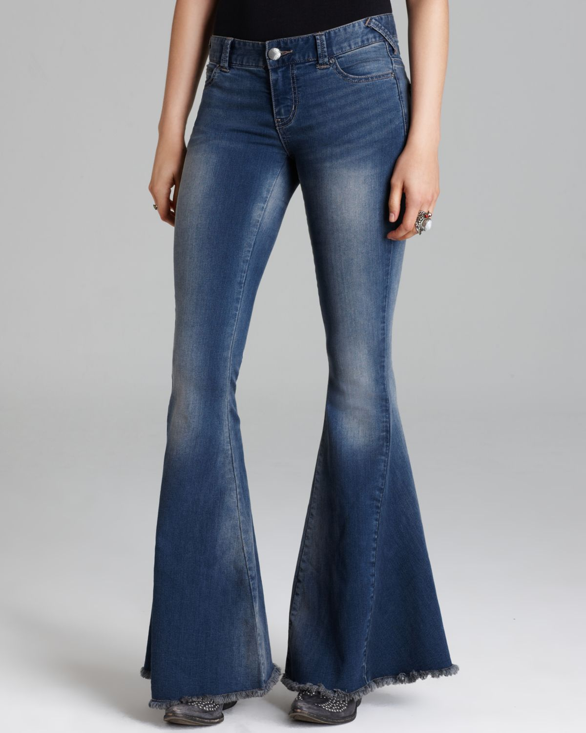 Free People Jeans Stretch Denim Super Flare in Oslo in ...