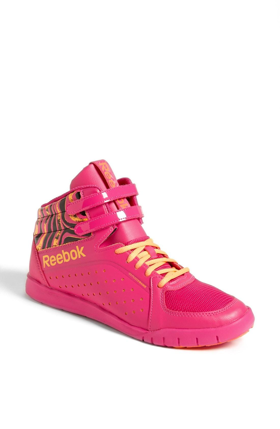 reebok urlead mid 20 shoe in pink pink
