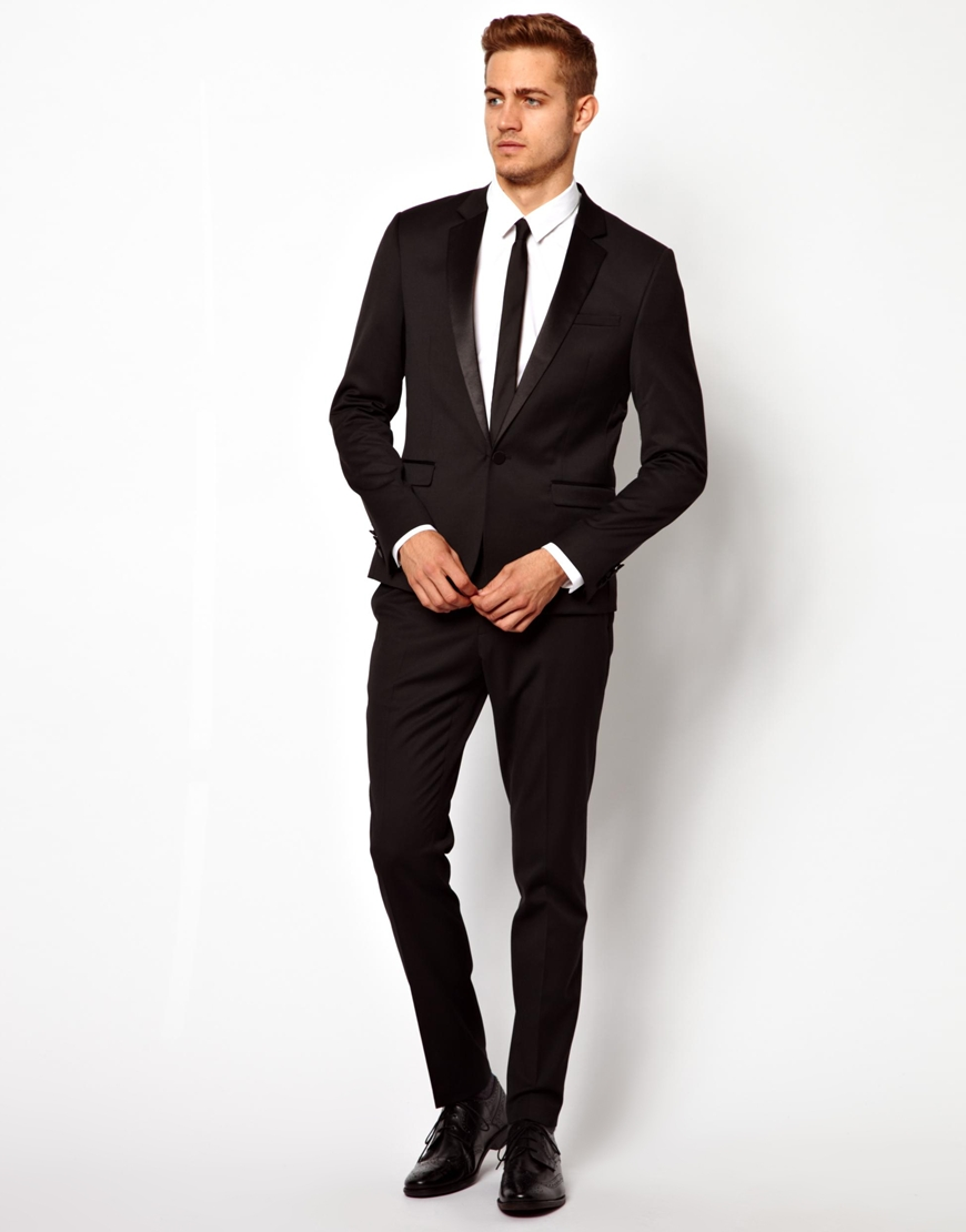 Shop Online for the latest styles of men's skinny suits. Browse our range of suits for the authentic and stylish guy.