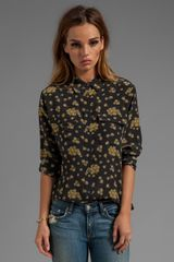 Equipment Blooming Fields Printed Slim Signature Blouse in Black - Lyst