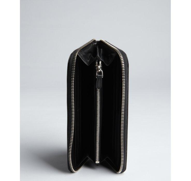 Prada Black Patent Leather Floral Zip Continental Wallet in Black ...