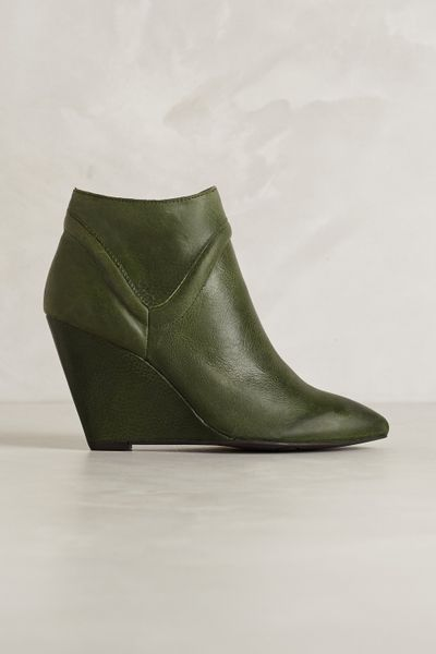 Seychelles Finavon Wedge Booties In Green Lyst