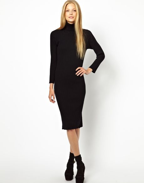 Ready for any occasion, the little black dress never goes out of fashion and will be your BFF for years to come. We have the hottest range of LBD's here at Missguided in a wide variety of shapes and styles.