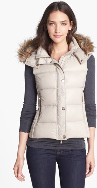 Vince Camuto Faux Fur Trim Hooded Down Vest In White Bone