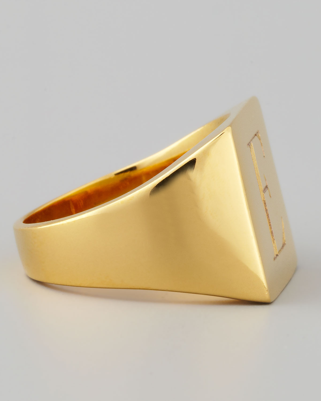 Sarah Chloe Letter-Engraved Square Signet Ring L6pgaZpdy