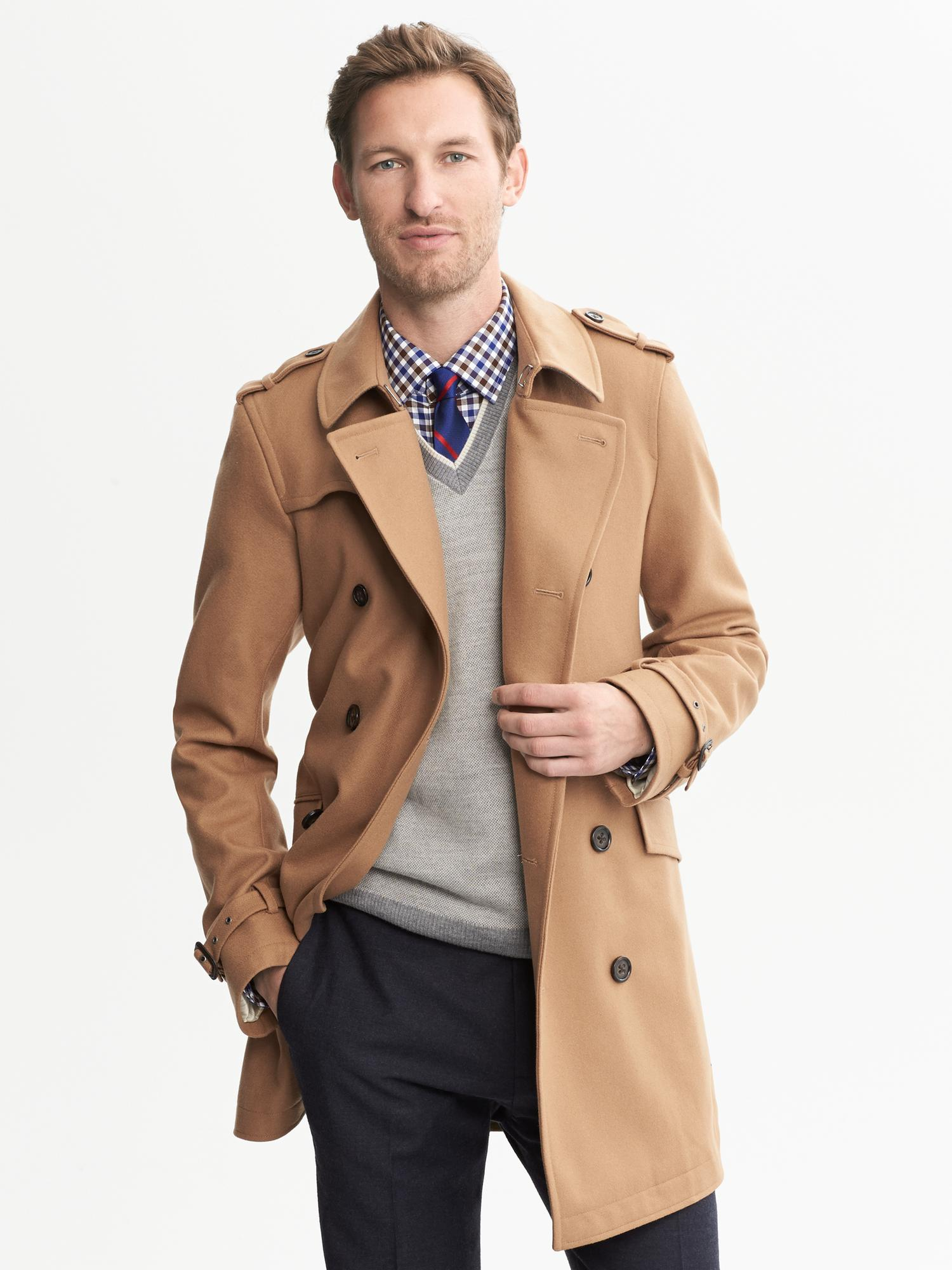 Shop Men's Jackets & Outerwear at Banana Republic Online Look sophisticated while keeping warm with men's outerwear available at Banana Republic. This eclectic collection features professional and casual styles perfect for work and home.