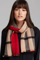 Burberry Solid To Check Cashmere Scarf - Lyst
