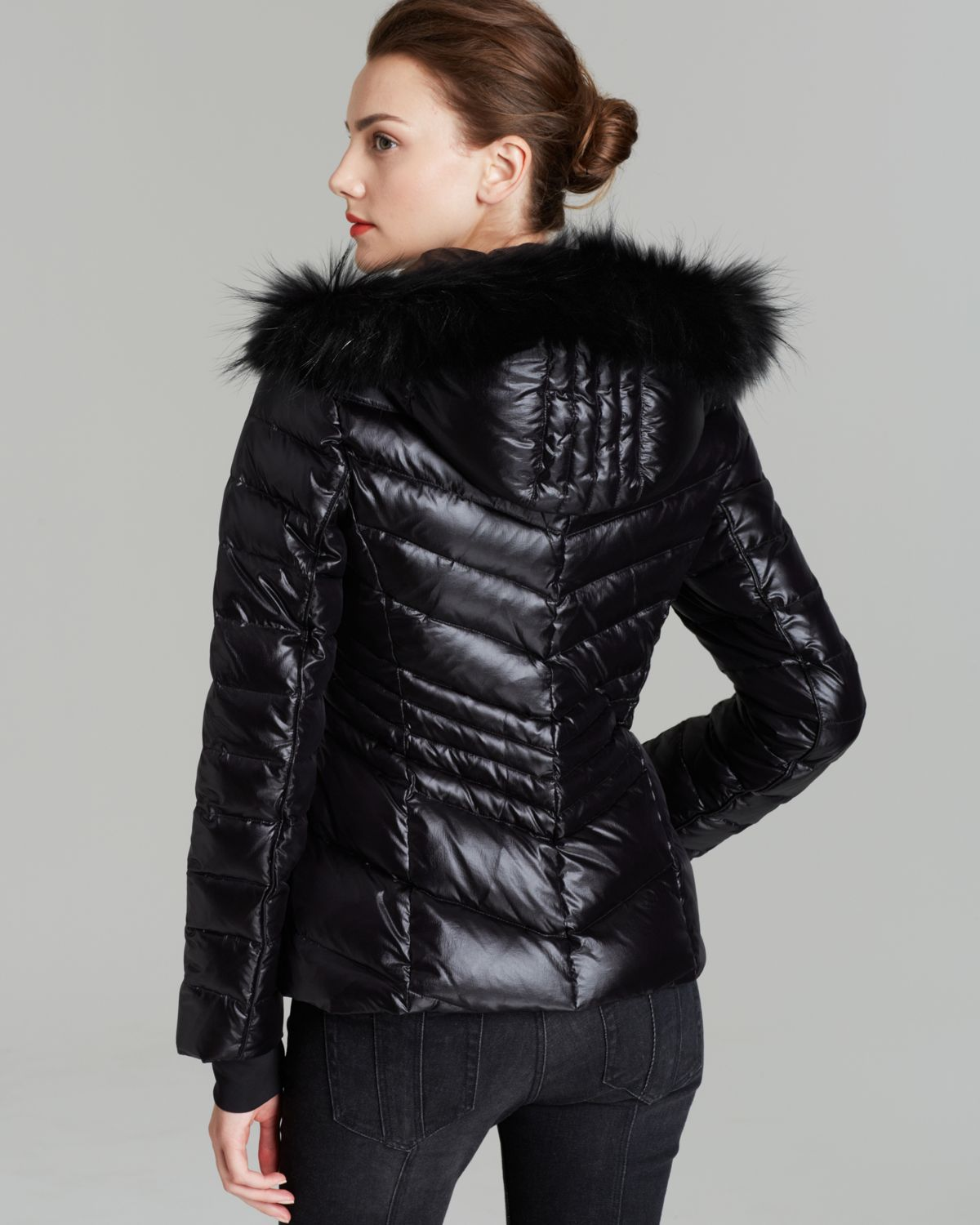 AliExpress carries many down coat with real fur hood related products, including feather coat, women down jacket, winter women jacket, women jacket, woman down jacket, parka women, down, white parka, down jacket with fox fur.