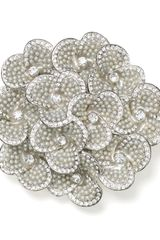 Carolee Cluster Flower Pin - Lyst