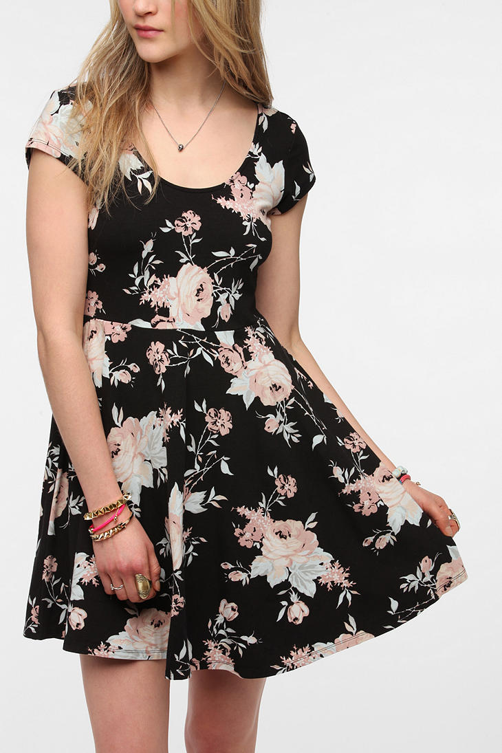 Lyst Urban Outfitters Kimchi Blue Knit Floral Skater Dress