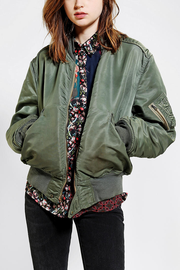 Urban vintage clothing online