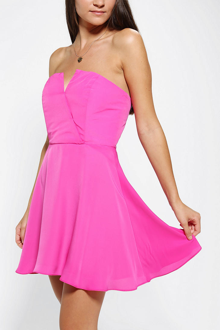 d44522917e7f Lyst - Urban Outfitters Naven Bombshell Strapless Skater Dress in Pink
