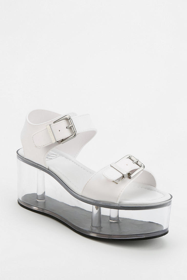 outfitters yru qloud clear platform sandal in white