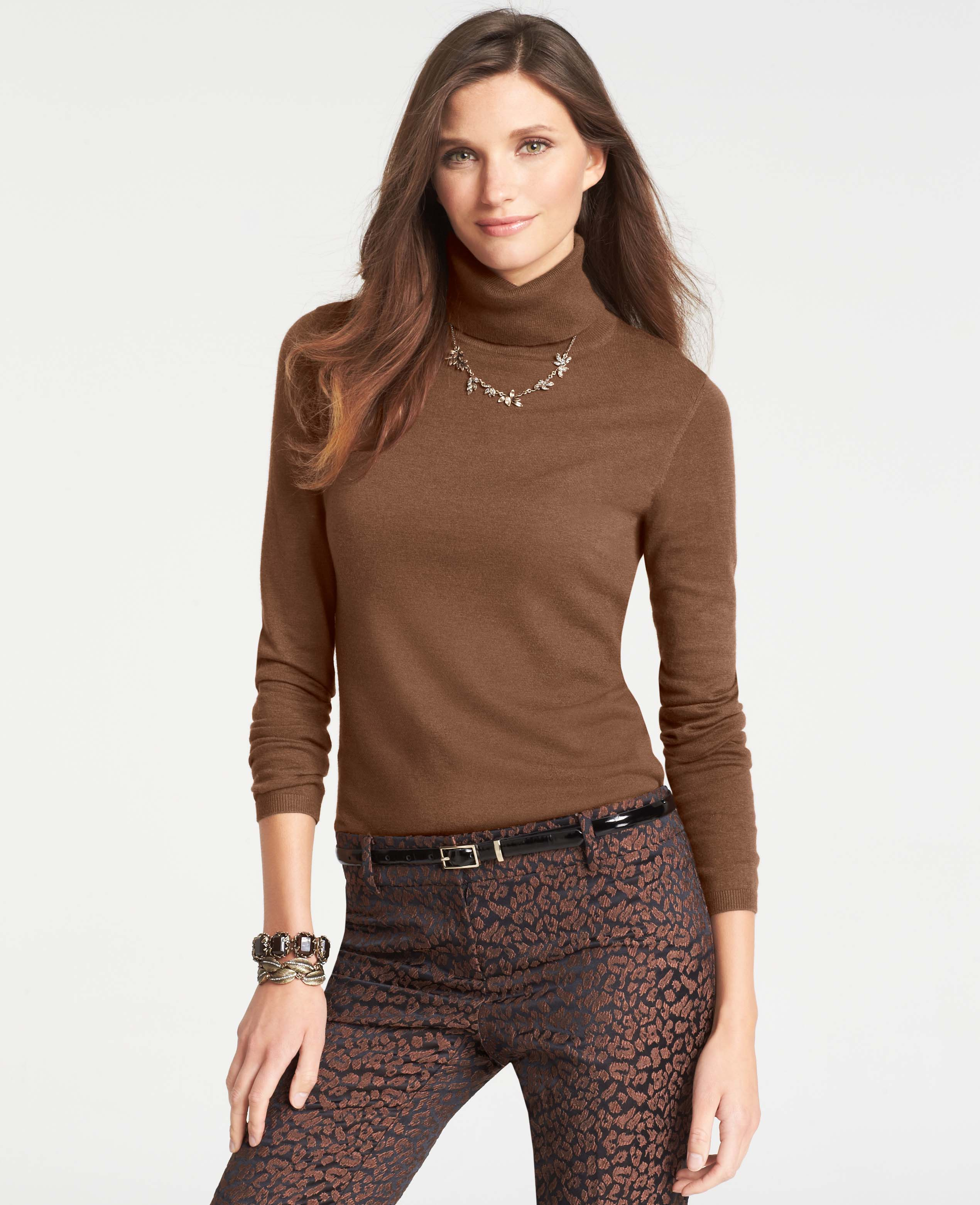 Women's Ann Taylor Necklaces Established in by Richard Liebeskind, the Ann Taylor brand is synonymous with feminine fashion, with beautiful pieces to complement women of every size. For over fifty years, the womenswear brand has evolved with the needs of real women who live full, active lives.