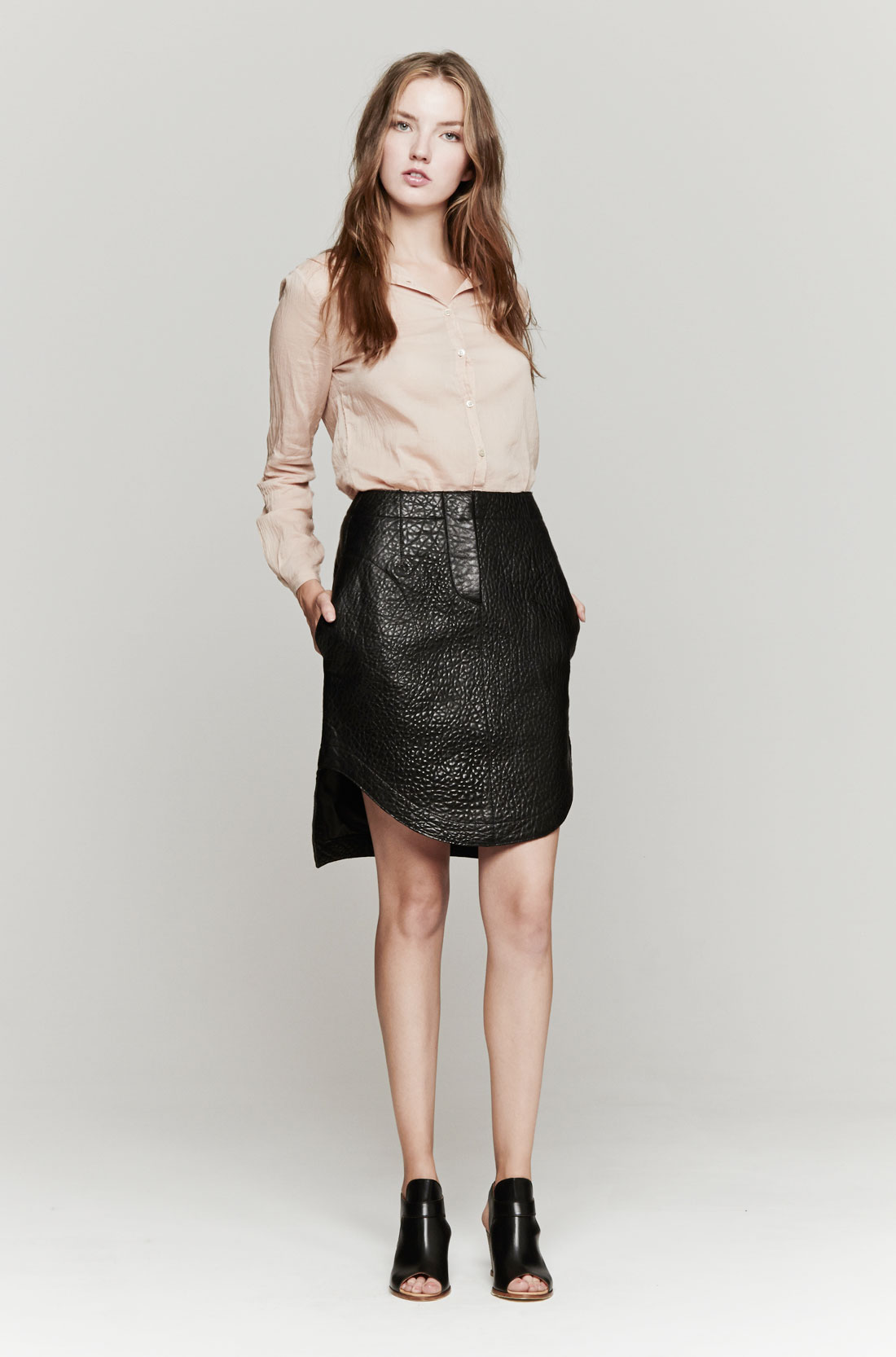 carven leather skirt in black lyst