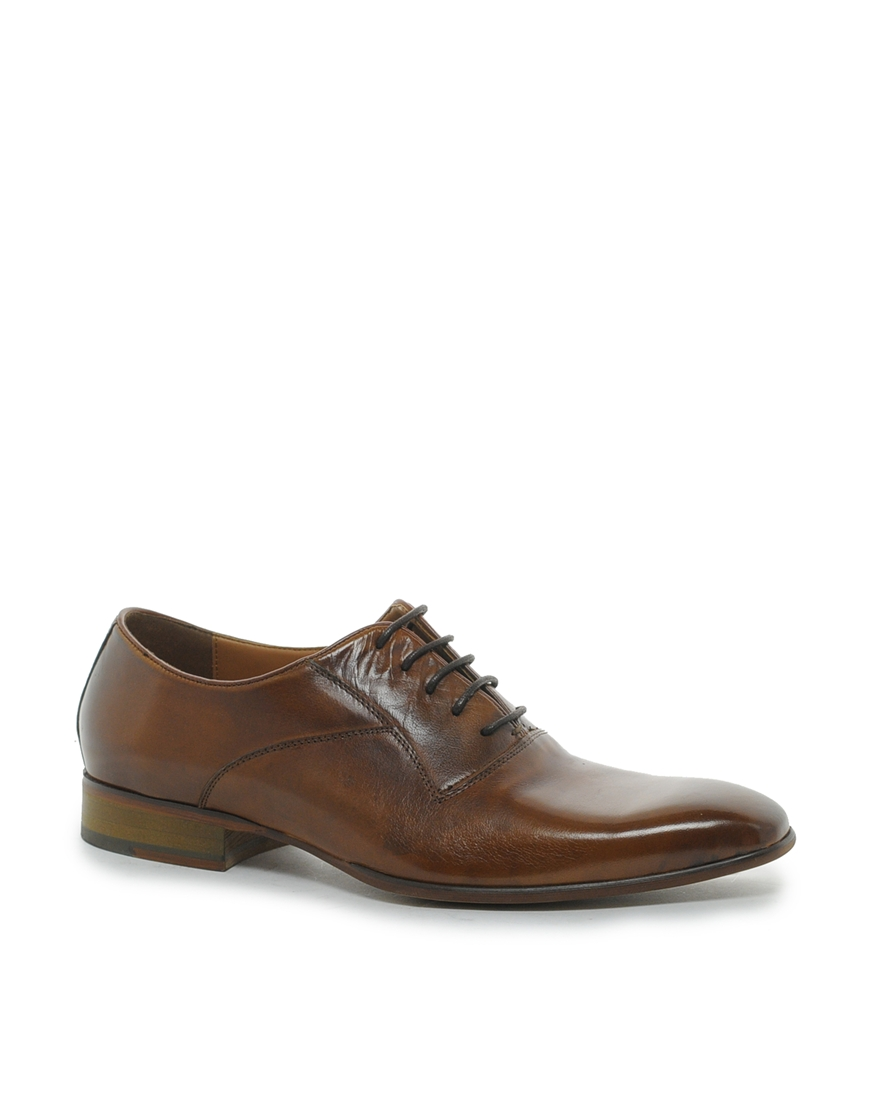 Discover the latest styles of men's dress oxfords from your favorite brands at Famous Footwear! Find your fit today! Women. View All. New Arrivals. Athletic Shoes. Sandals. Casual Shoes. Dress Shoes. Men's Oxfords Dress Shoes. New Search. Men's Search within results: Category Clear Categories. Dress Shoes Oxfords.