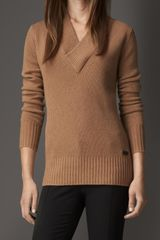 Burberry Ribbed Vneck Cashmere Sweater - Lyst