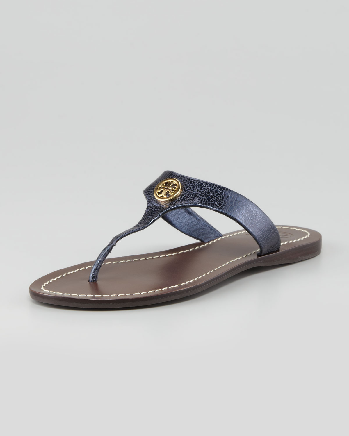 e2d7ce89f Lyst - Tory Burch Cameron Metallic Leather Logo Thong Sandal Navy in ...