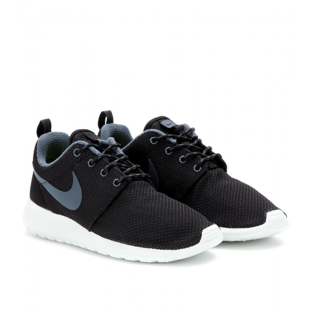 xqzujv Nike Roshe Run Sneakers in Black | Lyst