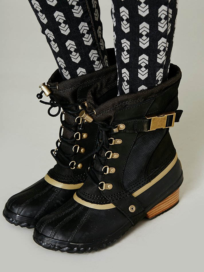 Lyst Sorel Conquest Carly Short Boot In Black