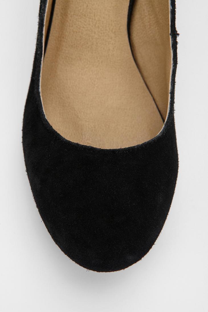 17c1f9be0d9e Lyst - Urban Outfitters Bdg Suede Kitten Heel in Black