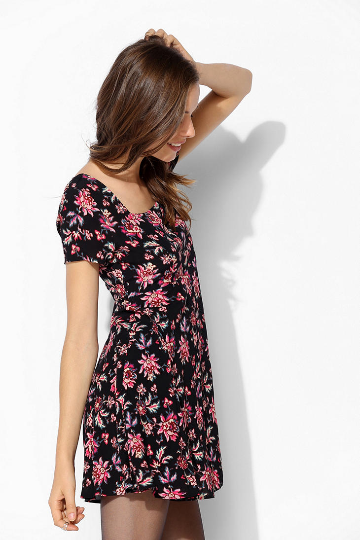 Lyst Urban Outfitters Crepe Cross Back Skater Dress