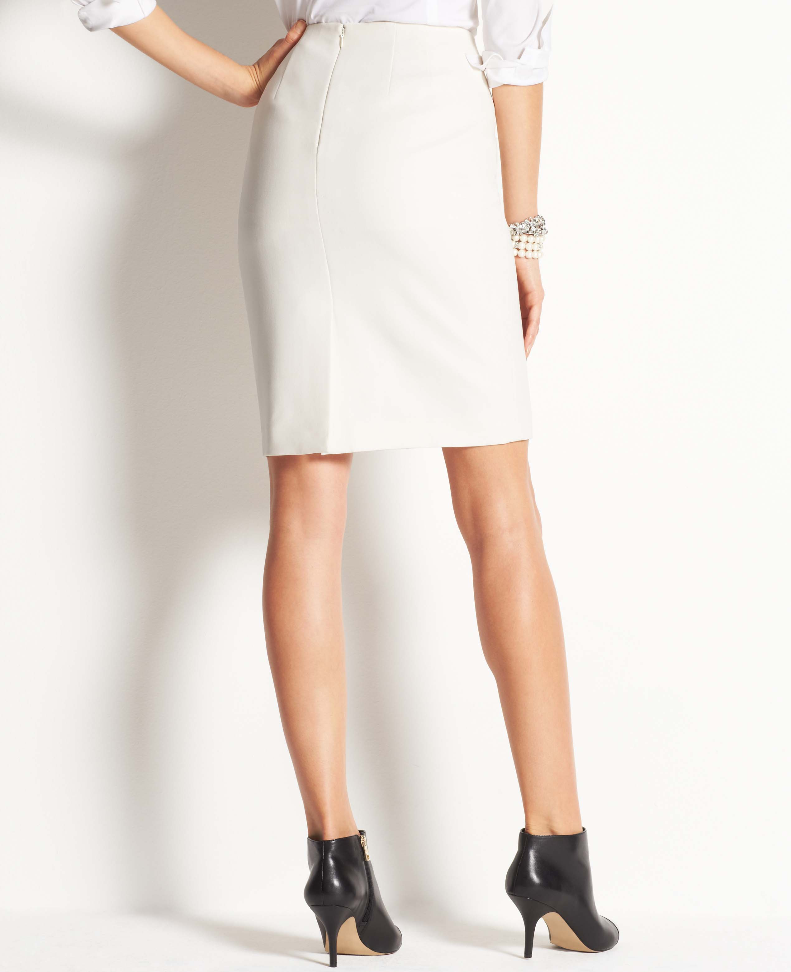 Ann taylor Stretch Twill Pencil Skirt in White | Lyst