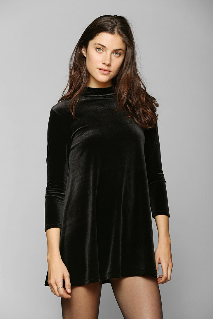 Urban Outfitters Kimchi Blue Openback Velvet Tunic Top In
