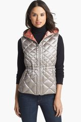 Bernardo Hooded Packable Goose Down Vest - Lyst