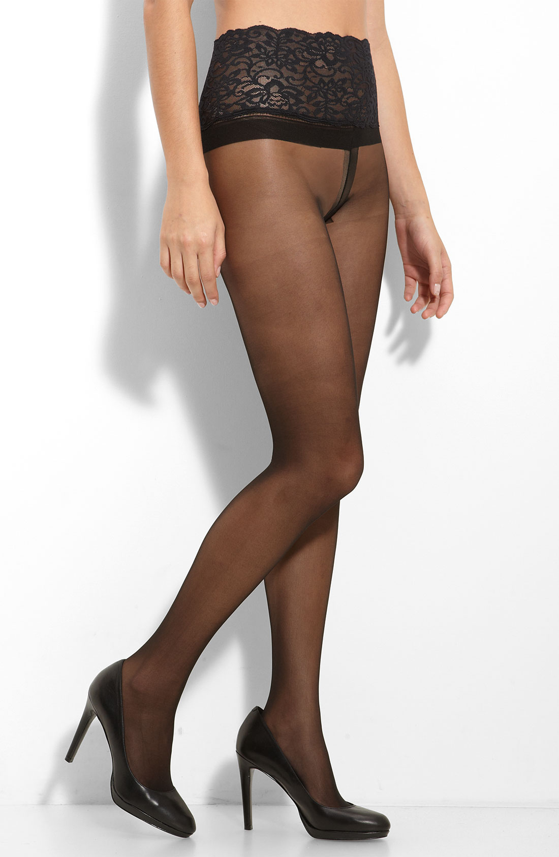 Our sheer pantyhose smooth your tummy, hips, thighs, and behind to keep you feeling in-control and confident all day long, no matter what you're wearing. From capris and stockings to tights and shorts, SPANX sheer shapewear provides a flawless finish in a variety of styles.