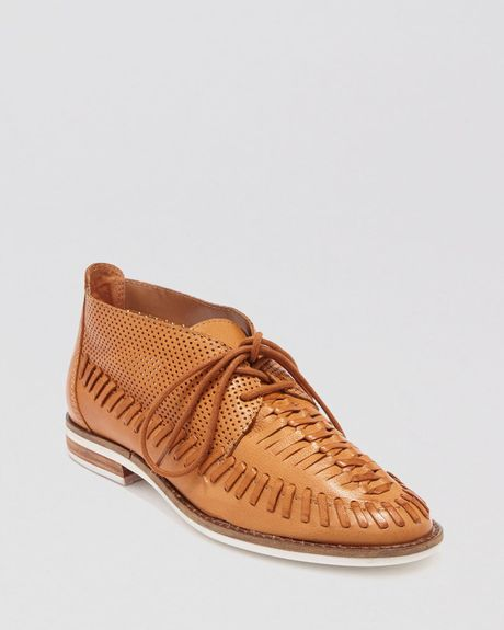 Dolce vita lace up oxford chukka flats fio in brown cognac lyst